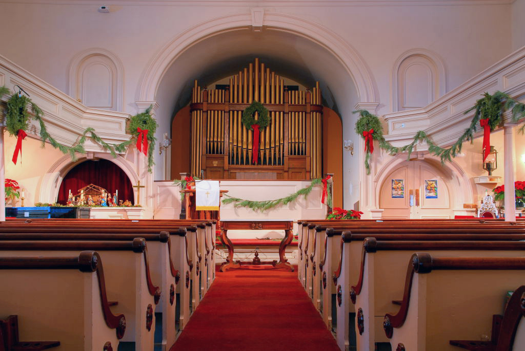 First Baptist Church, Branford, CT -   Three manual Quantum series Q-300 console with 38 stops and full MIDI implementation with Vista and EAC Audio