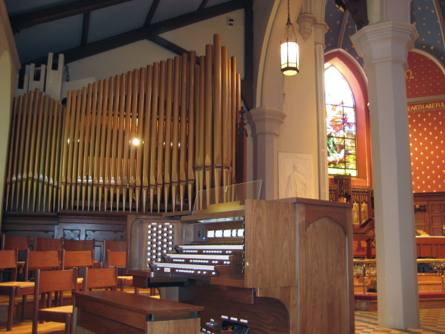 St. Michael's Episcopal Church, Bristol, RI - THREE MANUAL  Saint Michael's Episcopal Church in Bristol, RI has recently installed a new 3 manual, 58 stop Quantum Heritage organ. This custom designed instrument is a welcomed addition to their active music program.  The church engaged in a multi-year year effort to replace their Austin Pipe Organ. The committee decided to include digital organs in their search and upon hearing a new Quantum organ knew that this organ would meet and exceed their aspirations for an instrument that would inspire their congregation. The Austin Pipe Chamber was ideally suited to house the speaker equipment. All the pipes were removed from the chamber and the new speaker equipment was installed in its place.  The committee hopes to one day fulfill their desire to install pipes into the church. The Allen console is equipped to accept pipes and will be a fine starting point for this future project